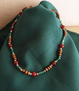 Laufeynecklace2